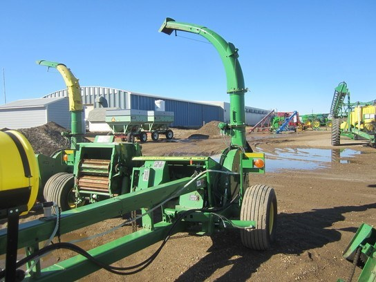 2011 John Deere 3975 Forage Harvester-Pull Type For Sale