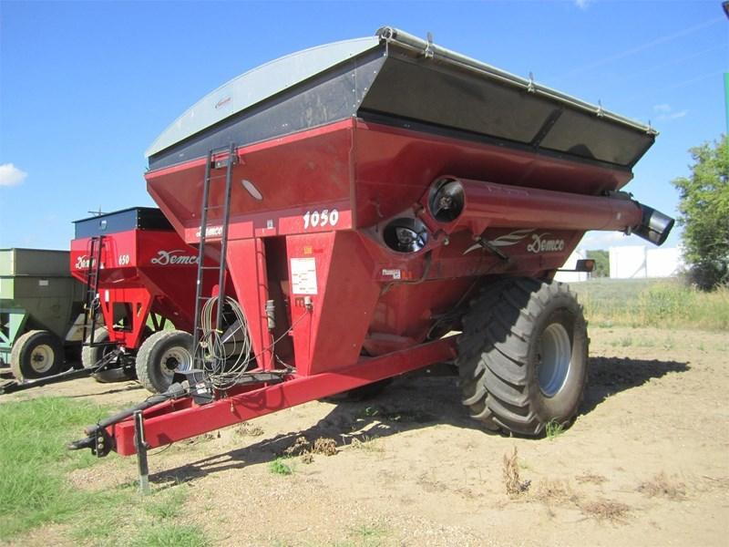 2009 Demco 1050 Grain Cart For Sale