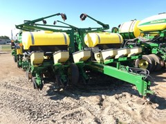 Planter For Sale:  1998 John Deere 1760