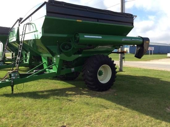 Brent 782  W/ SCALES  TARP Grain Cart For Sale