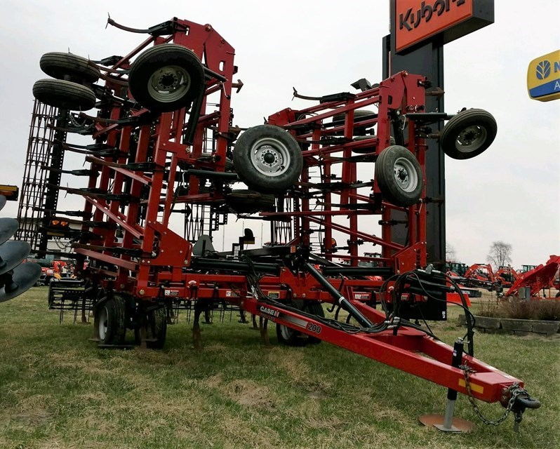 Case IH 200 Field Cultivator For Sale