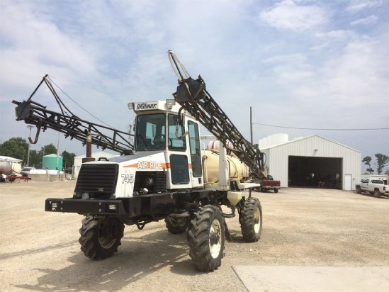 1995 Willmar 745 Sprayer-Self Propelled For Sale