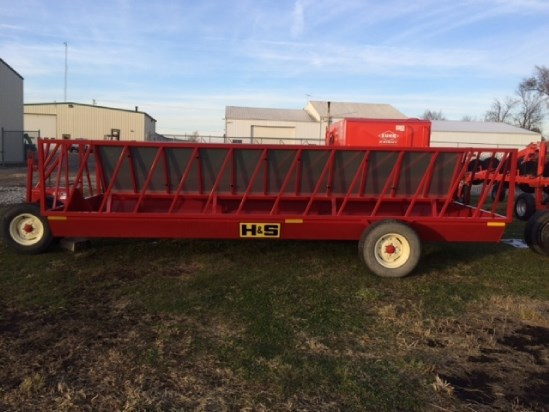 2015 H & S FWS2A Bale Feeder For Sale