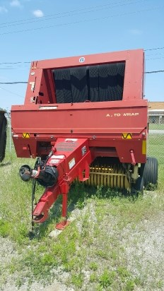 2000 New Holland 688 Baler-Round For Sale