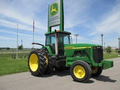 Tractor For Sale:  2001 John Deere 8110 , 183 HP
