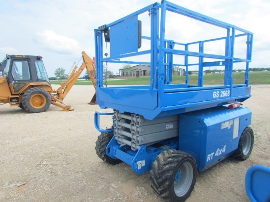 2007 Genie GS2668 Scissor Lift-Rough Terrain For Sale