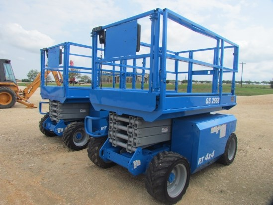 2005 Genie GS2668 Scissor Lift-Rough Terrain For Sale