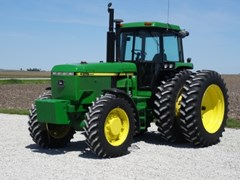 Tractor For Sale 1991 John Deere 4955 , 235 HP