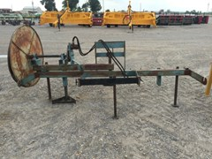 Misc. Ag For Sale:  Other 3pt poly pipe roller