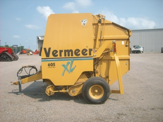 2001 Vermeer 605XL 5X6 Baler-Round For Sale