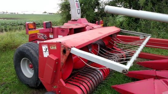 2004 Gehl 1085 Forage Harvester-Pull Type For Sale