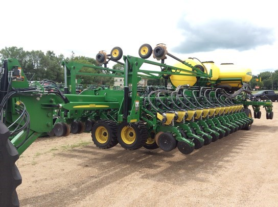 2014 John Deere DB66 Planter For Sale