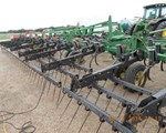 Field Cultivator For Sale: 2007 John Deere 2210