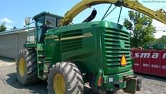 Forage Harvester-Self Propelled For Sale:  2004 John Deere 7400