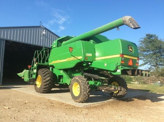 Hydraulic Chaff Spreader : John deere w combine for sale ? plains equipment