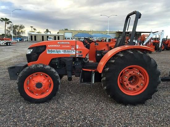 Kubota M9960HDL-SN Tractor