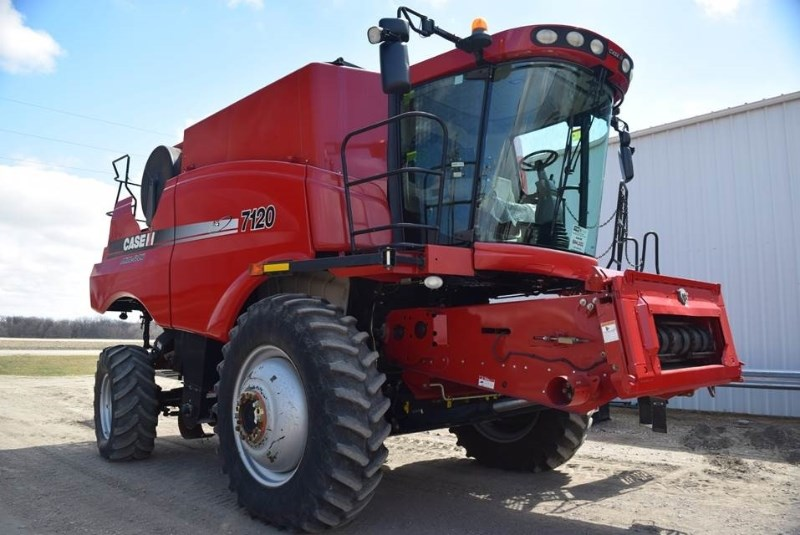 2011 Case IH 7120, 1836 Sep Hr, RT, FT, Dlx Cab, Hyd Bin Covers Cosechadoras a la venta