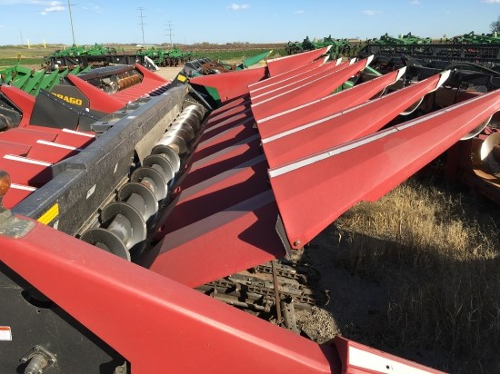 2007 Drago 8R30P RED Header-Corn For Sale