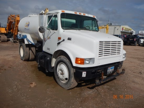2001 International  Water Truck