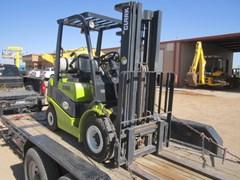 Lift Truck/Fork Lift-Industrial  2012 Clark  C25
