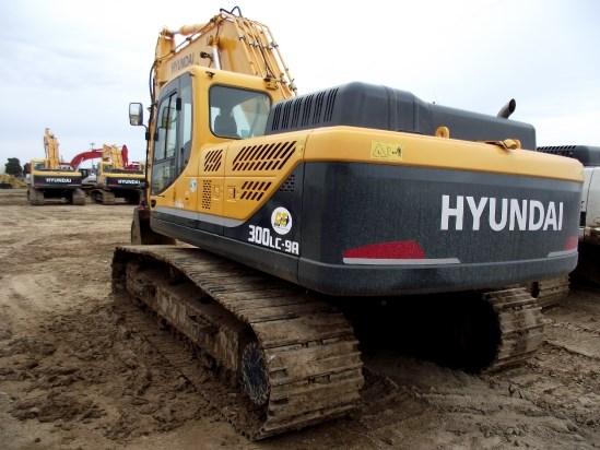 2013 Hyundai R300LC-9A Excavator-Track