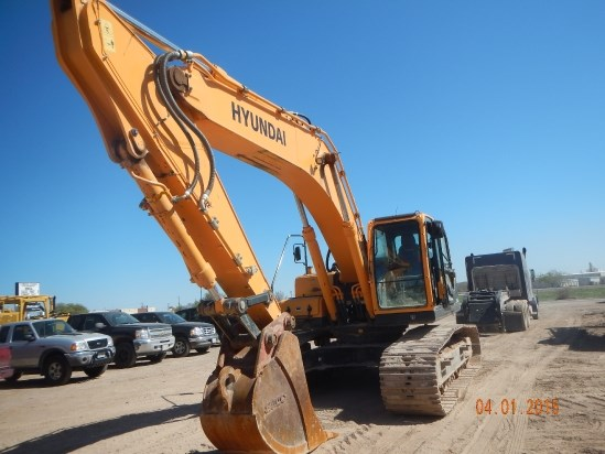 2014 Hyundai R300LC9A Excavator-Track
