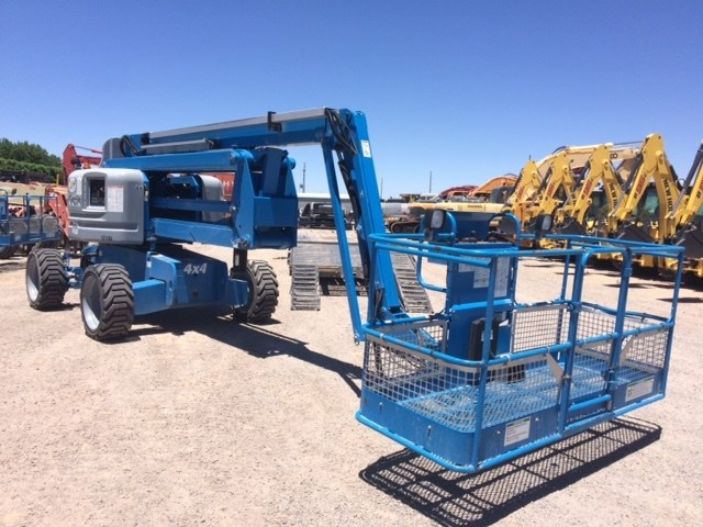 2014 Genie Z60 Boom Lift-Articulating