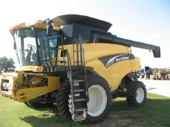 Combine For Sale 2005 New Holland CR960
