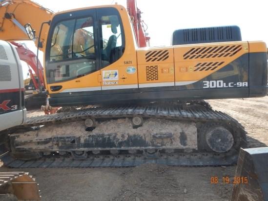 2014 Hyundai R300LC-9A Excavator-Track