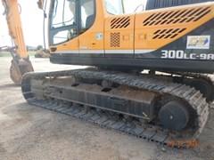 Excavator-Track  2014 Hyundai R300LC-9A