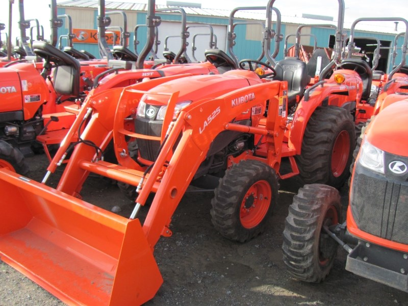 2015 Kubota L3301DT Tractor For Sale