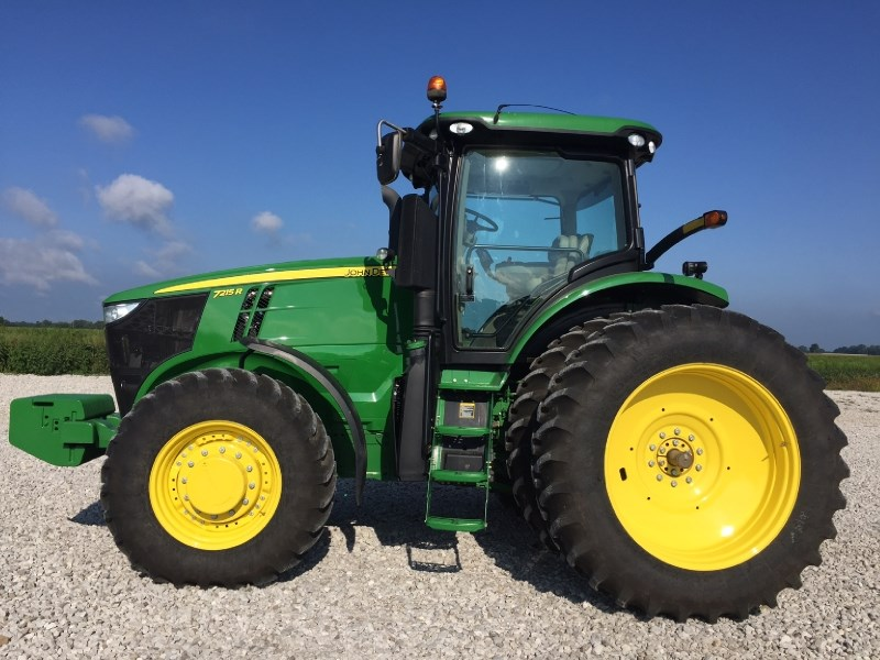 2013 John Deere 7215R Tractor For Sale