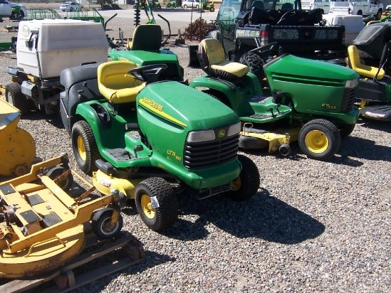 2002 John Deere LTR180 Riding Mower For Sale