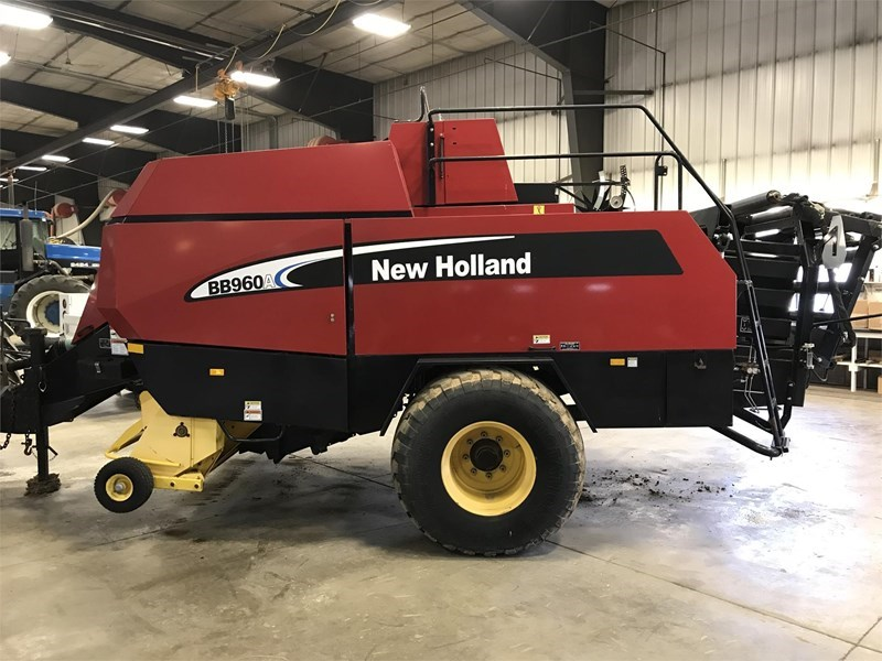 2004 New Holland BB960A Baler-Square For Sale