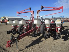 Planter For Sale:  2010 White 8222