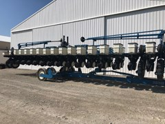 Planter For Sale 2002 Kinze 3600