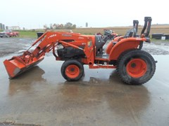 Tractor For Sale 2009 Kubota L5240HST , 52 HP