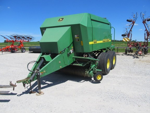 1997 John Deere 100 Baler-Square For Sale