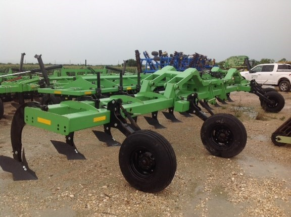 2014 Bigham Brothers 802-693 Strip-Till For Sale