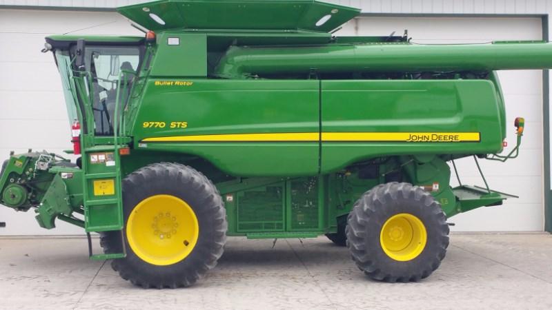 2011 John Deere 9770 Combine For Sale