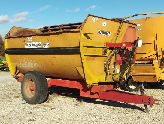 Knight 2450 REEL AUGGIE Feeder Wagon-Portable For Sale