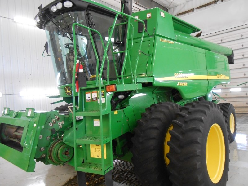 2007 John Deere 9660STS HILLCO Combine For Sale