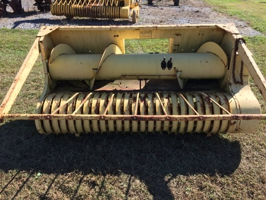 1982 New Holland 770W Forage Head-Windrow Pickup For Sale