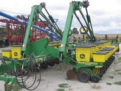 Planter For Sale 2002 John Deere 1770