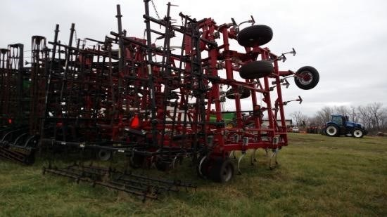 Wil-Rich 13EXC32-42 Field Cultivator For Sale