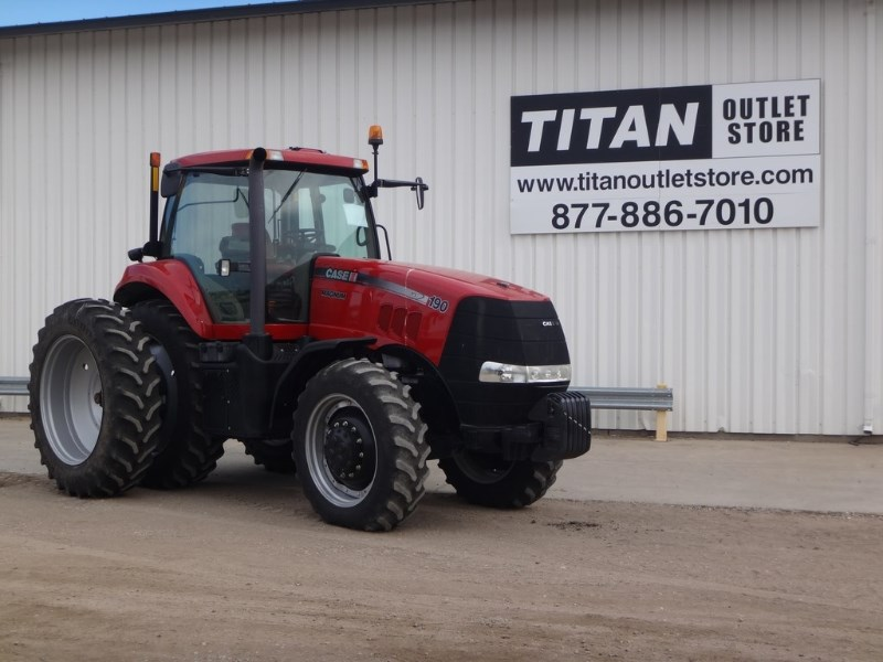 2011 Case IH 190, 827 Hr, 3 Rem, Leather, Hi Cap Hyd Pump Tractores a la venta