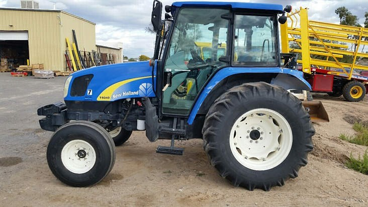 2009 New Holland T5040 2WD Tractor For Sale