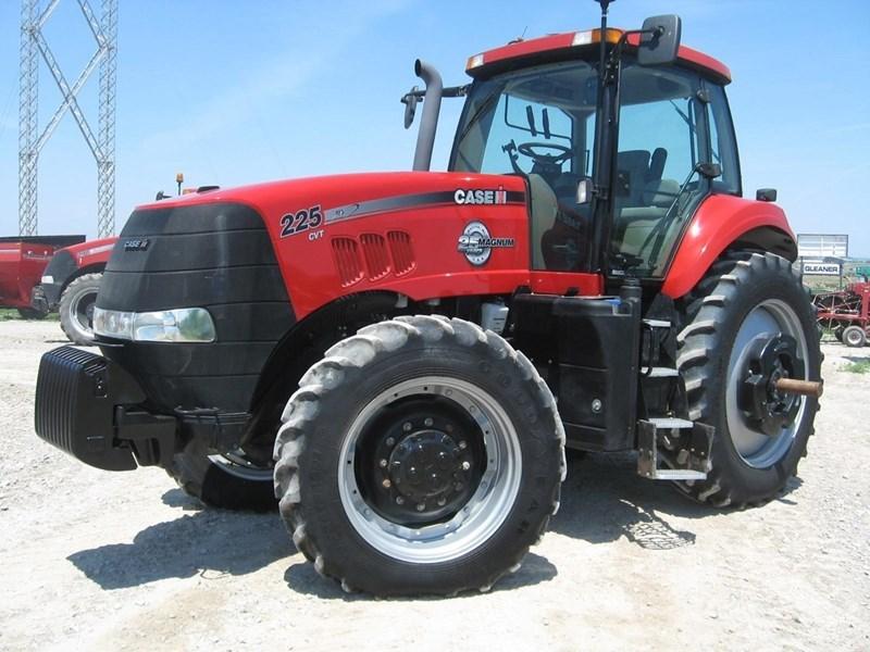 2013 Case IH MAGNUM 225 CVT Tractor For Sale