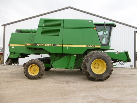 1995 John Deere 9500 Combine For Sale