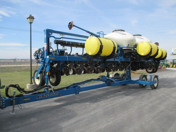 2012 Kinze 3600 Planter For Sale
